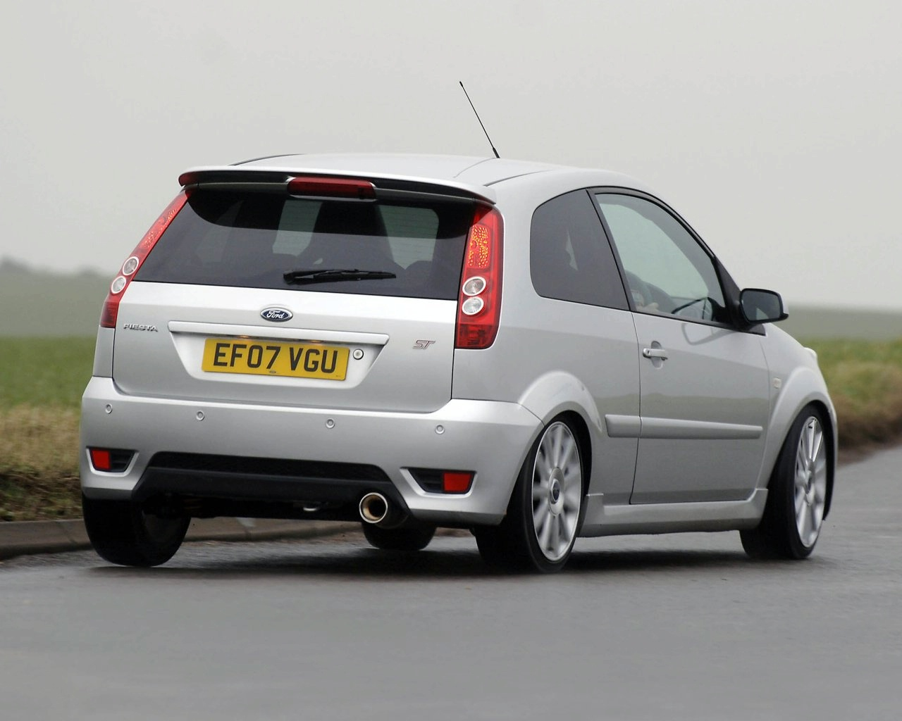 ford fiesta 2.0 st-pic. 3