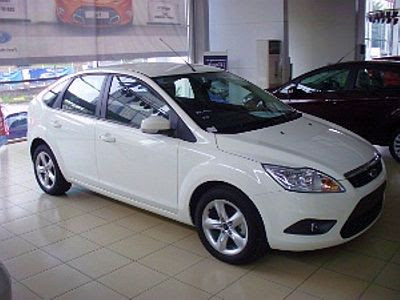 ford focus 2.0 s-pic. 3