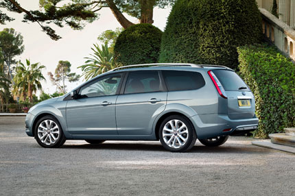 ford focus station wagon-pic. 2