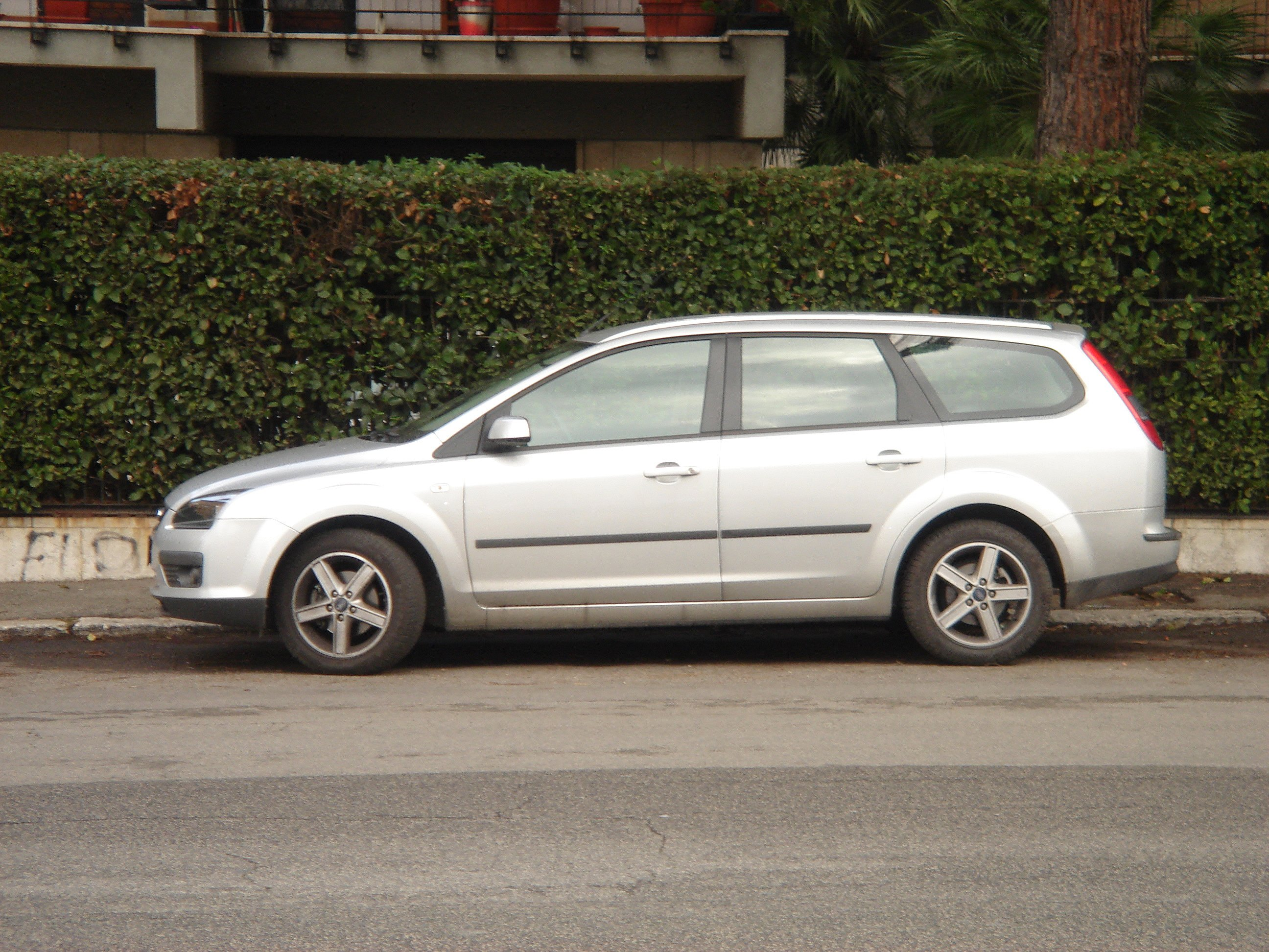 ford focus style wagon-pic. 1