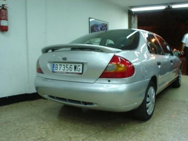ford mondeo 1.8 ambiente-pic. 3