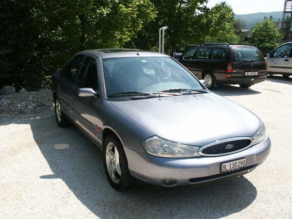 ford mondeo 2 0 ghia photos and comments. Black Bedroom Furniture Sets. Home Design Ideas