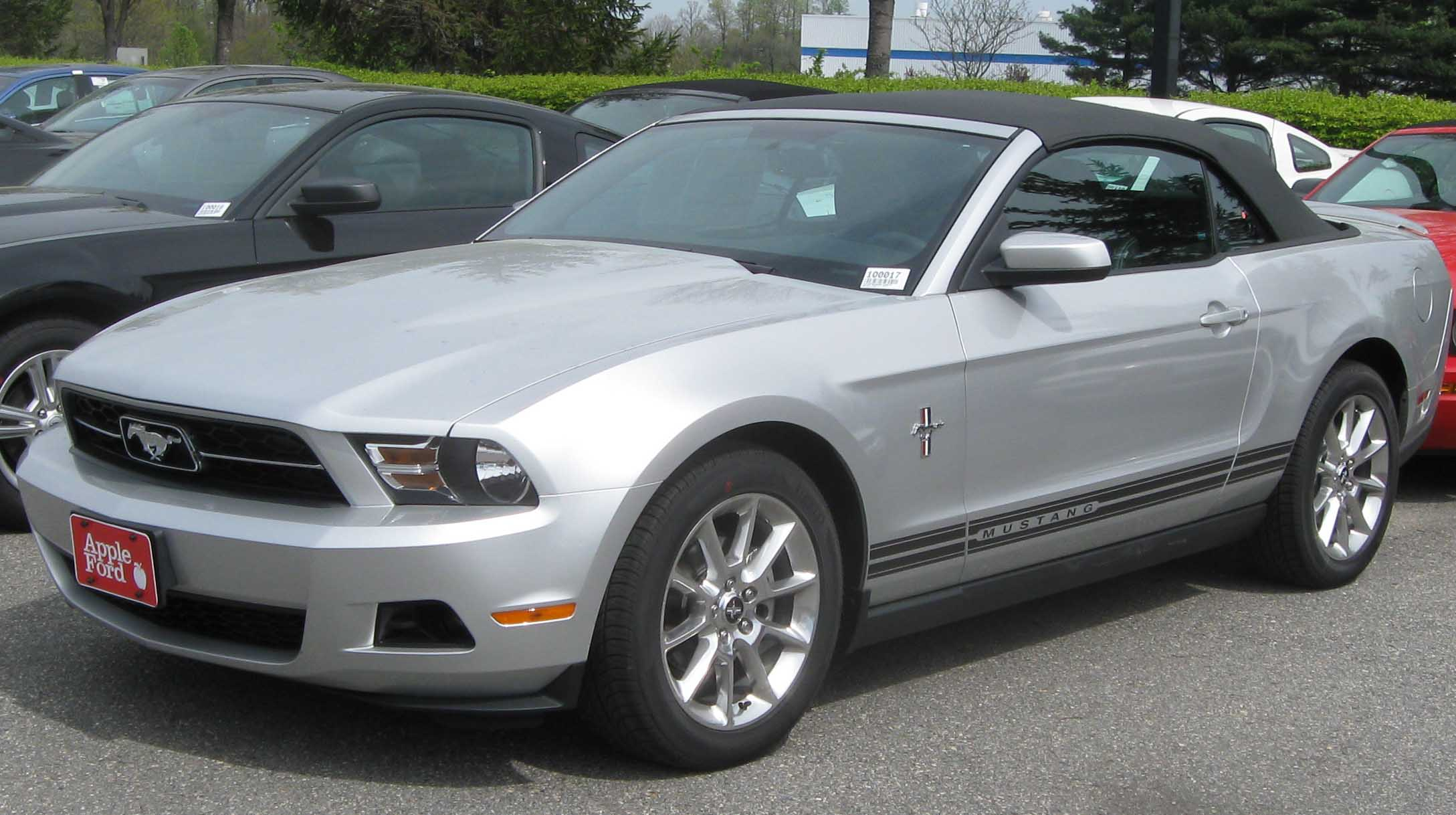 ford mustang convertible-pic. 3