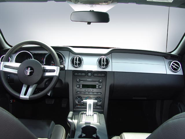 ford mustang gt premium coupe-pic. 2