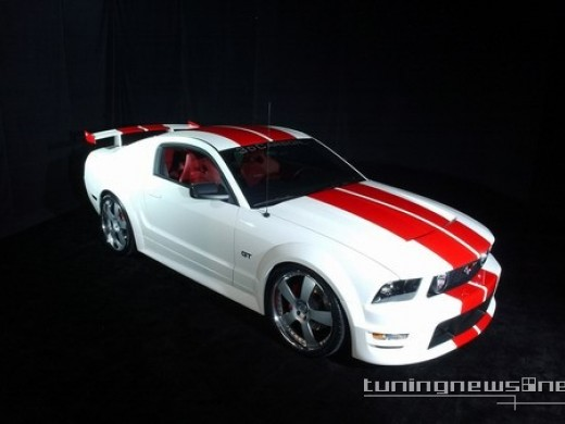 ford mustang premium coupe-pic. 2