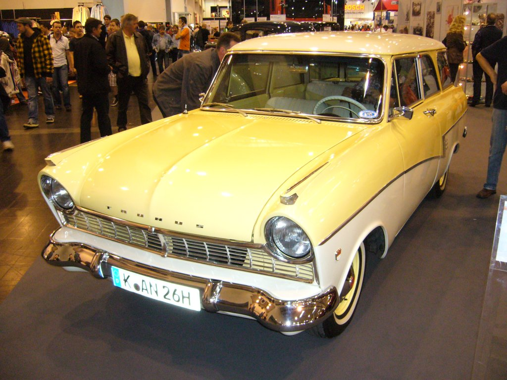 ford taunus 17m kombi photos and comments. Black Bedroom Furniture Sets. Home Design Ideas