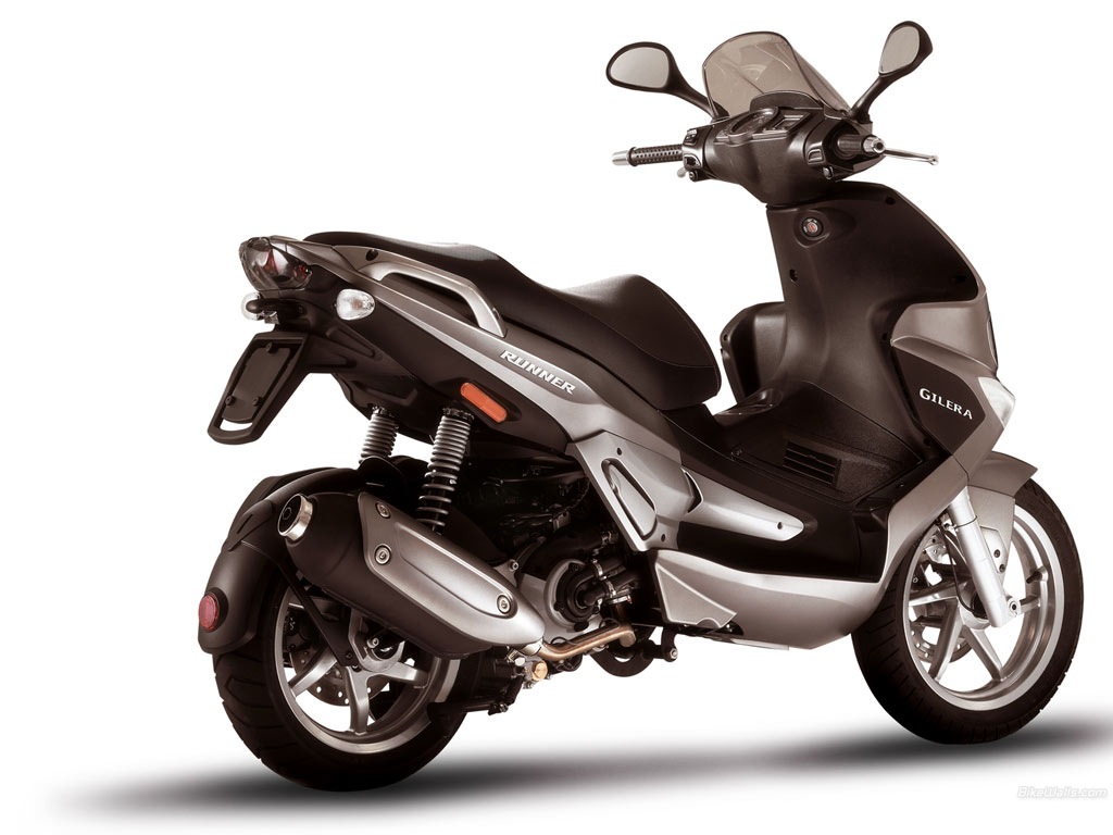 gilera runner st 125 photos and comments. Black Bedroom Furniture Sets. Home Design Ideas