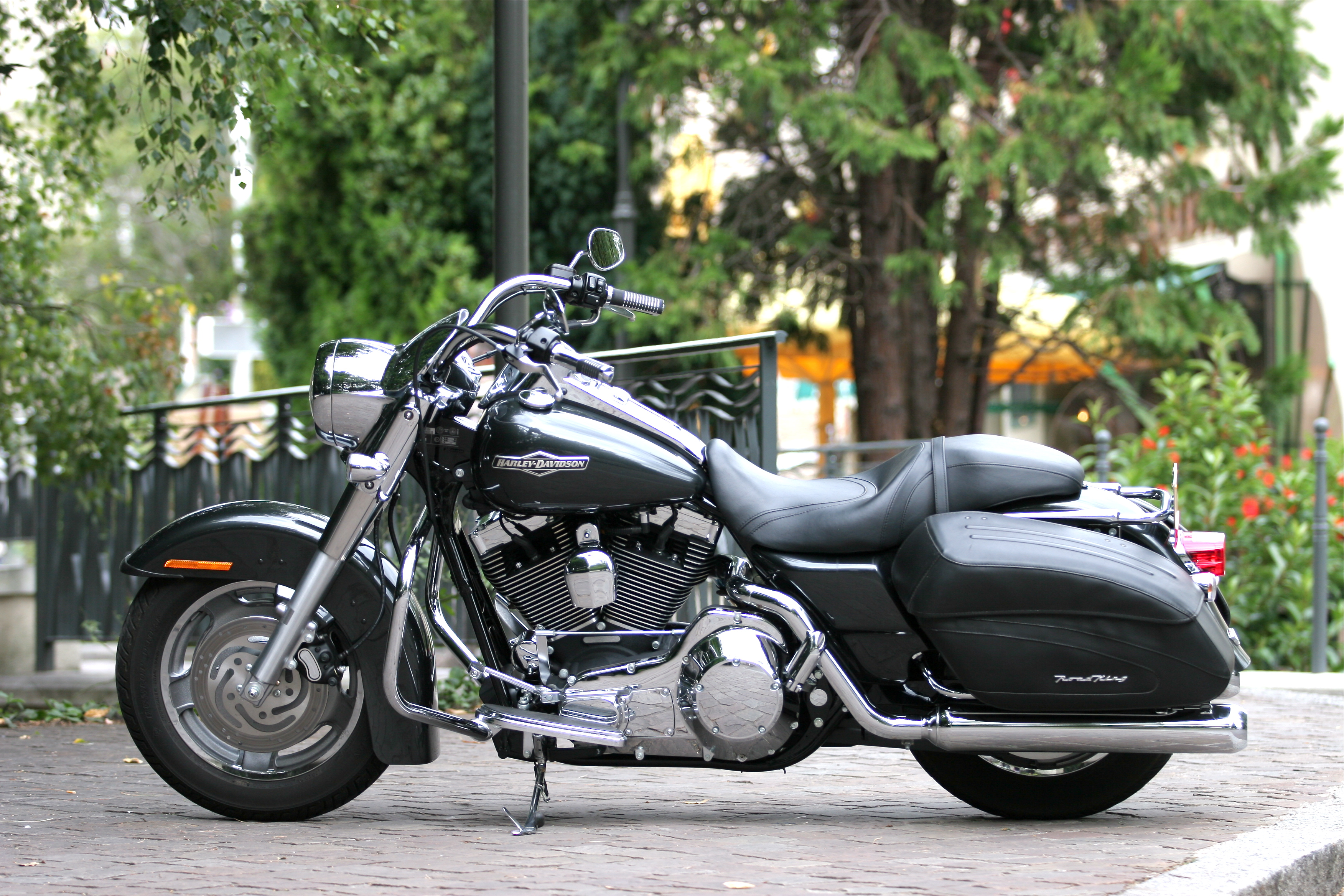 harley-davidson road king custom-pic. 3