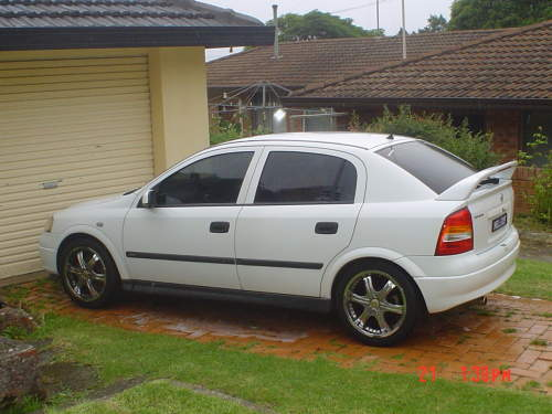 holden astra hatch-pic. 1