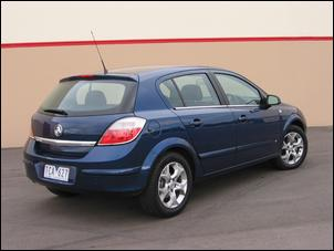 holden astra hatch-pic. 2