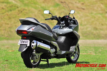 honda silver wing abs-pic. 1
