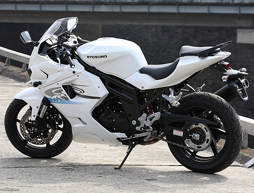 hyosung gt 650 r photos and comments. Black Bedroom Furniture Sets. Home Design Ideas