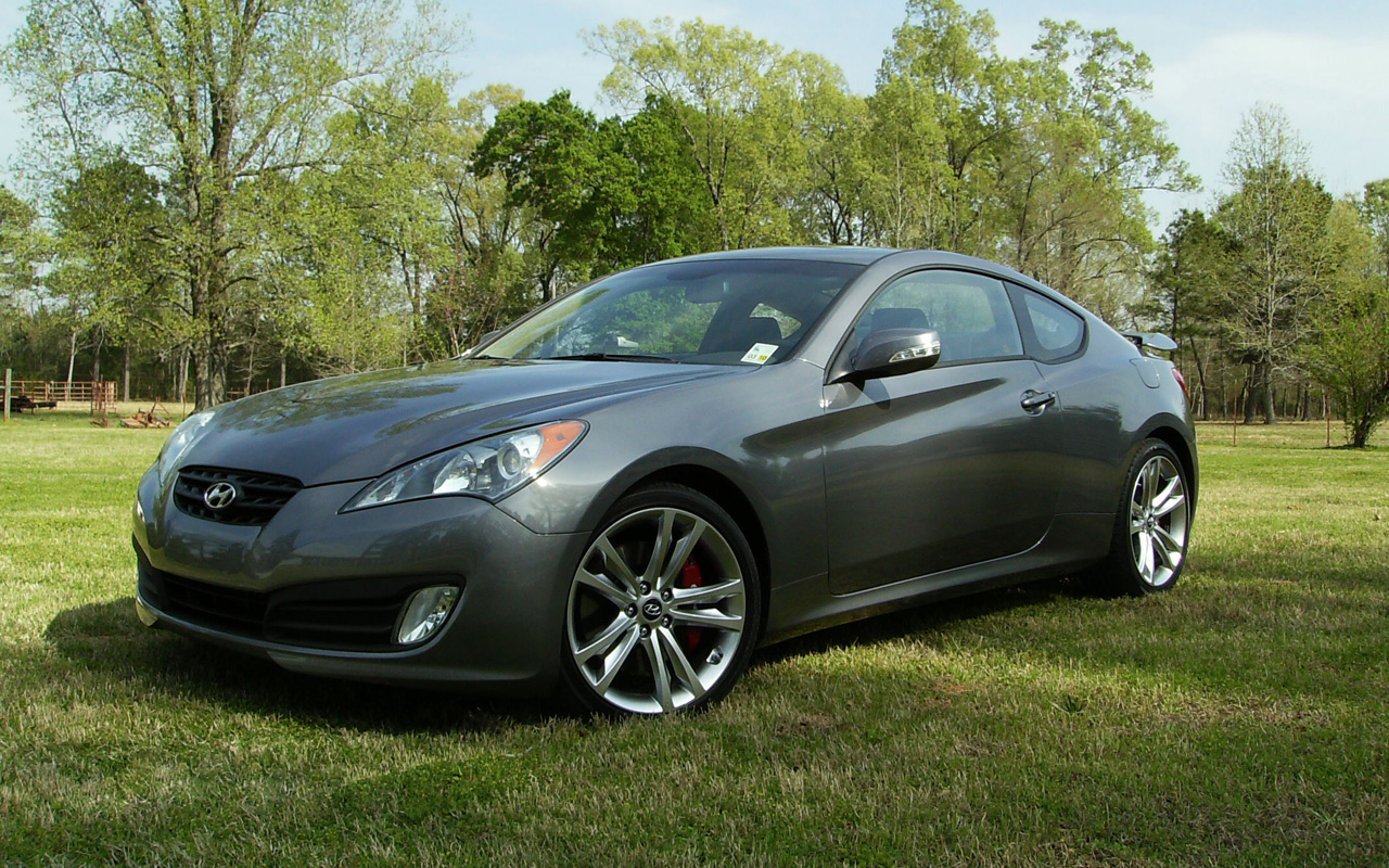 hyundai genesis coupe 3 8 track photos and comments. Black Bedroom Furniture Sets. Home Design Ideas