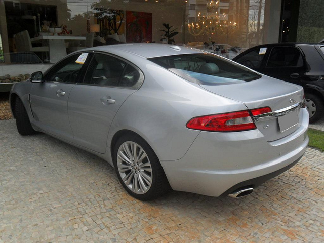 jaguar xf 5.0 premium luxury-pic. 3