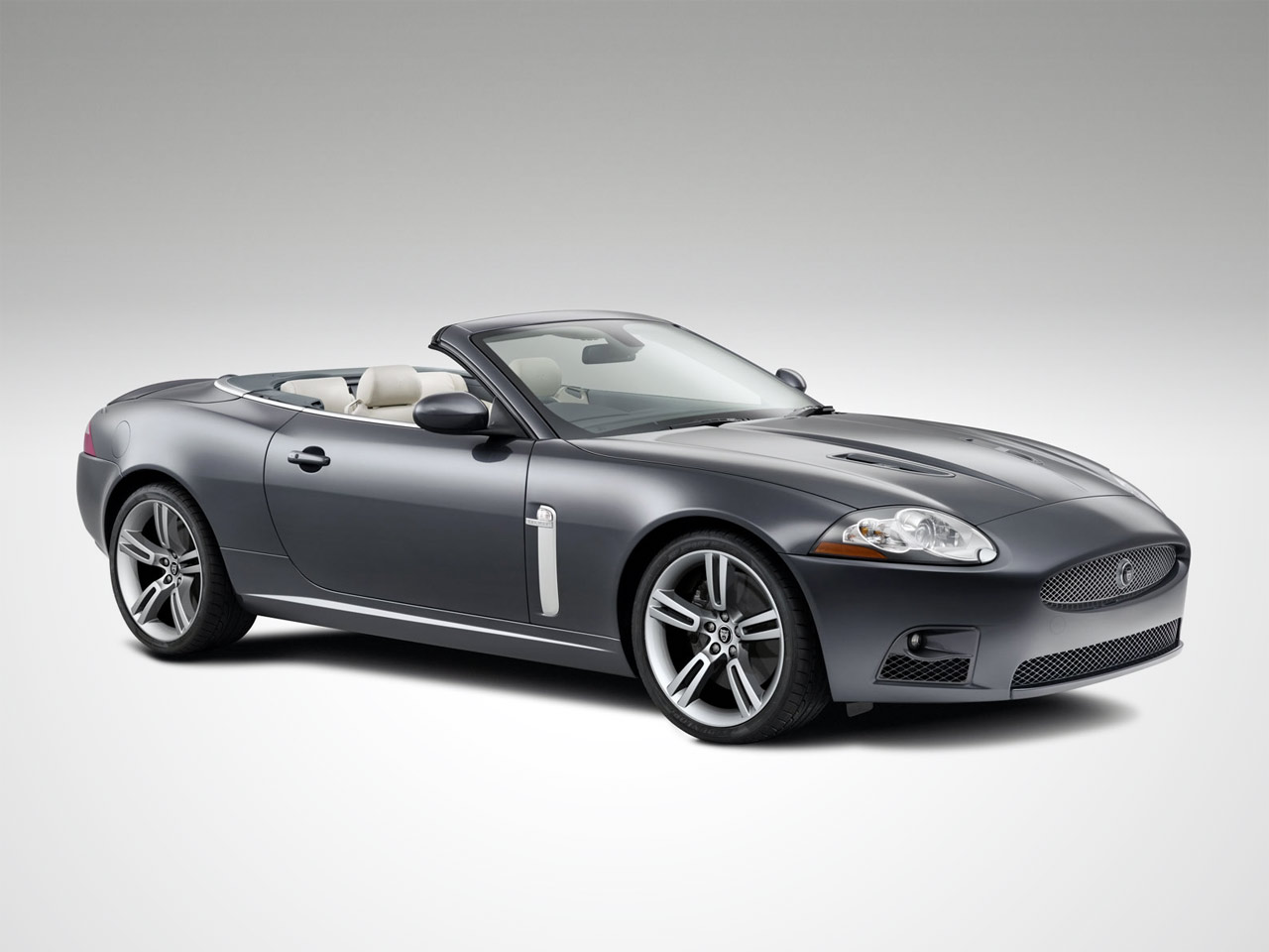 jaguar xk xkr convertible photos and comments. Black Bedroom Furniture Sets. Home Design Ideas