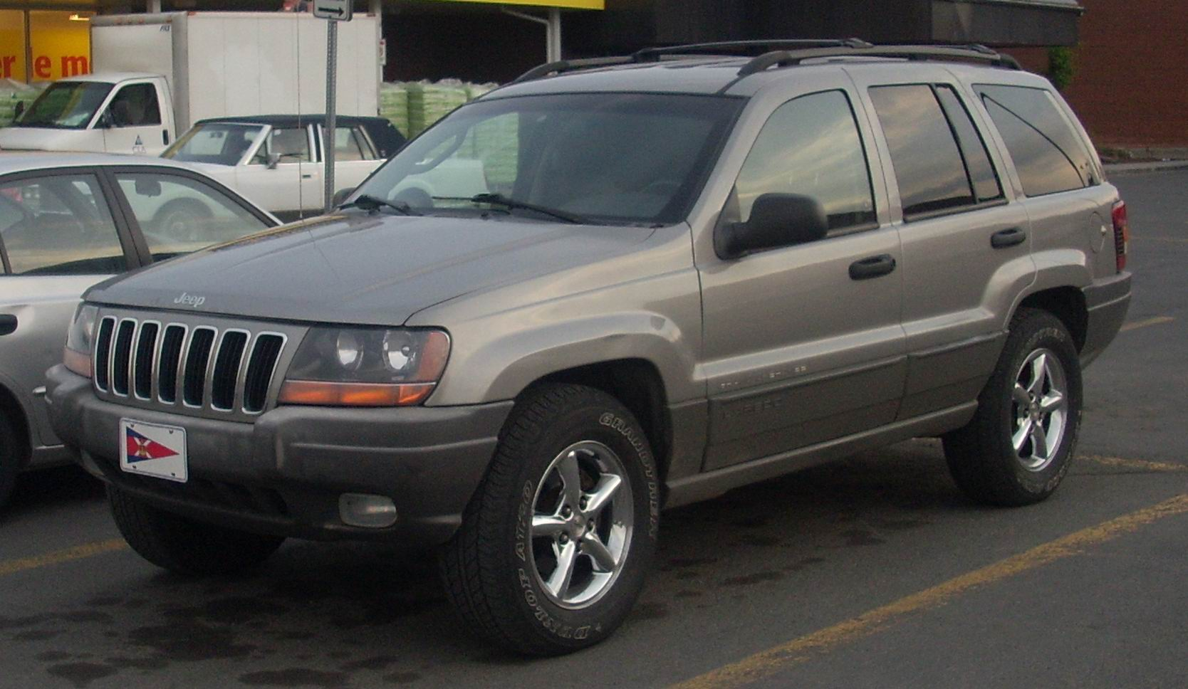 jeep grand cherokee laredo photos and comments. Black Bedroom Furniture Sets. Home Design Ideas