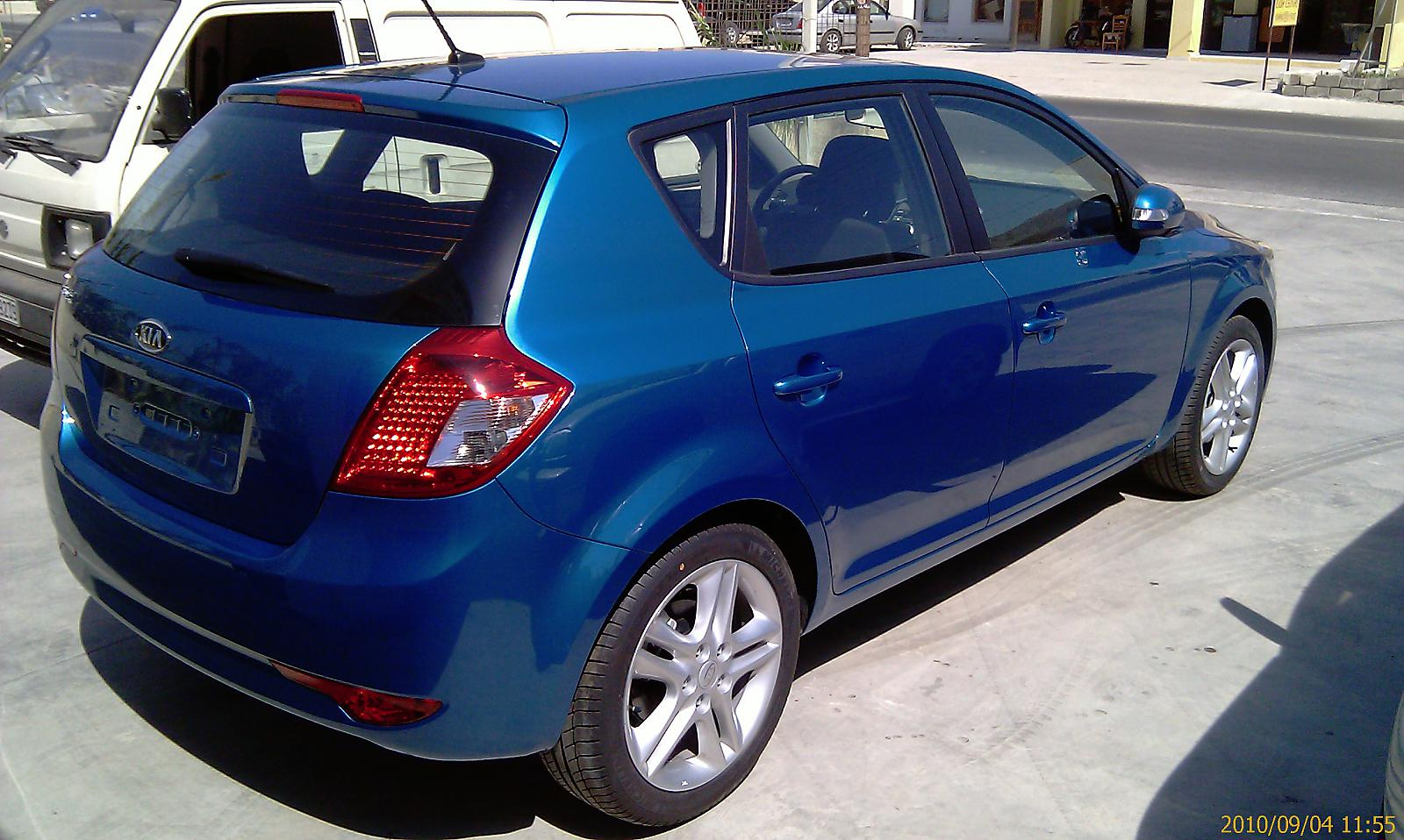 kia ceed 1 6 cvvt photos and comments. Black Bedroom Furniture Sets. Home Design Ideas