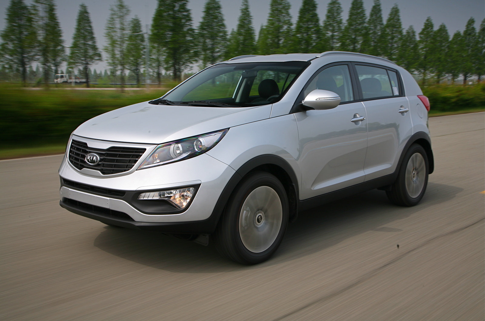 kia sportage 2 0 crdi 4x4 photos and comments. Black Bedroom Furniture Sets. Home Design Ideas