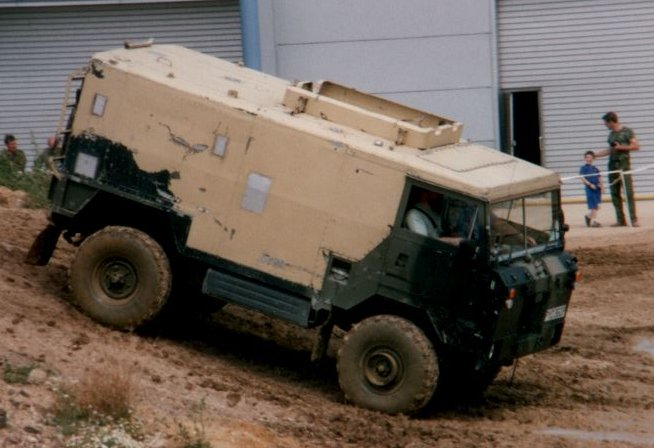 land-rover 101 fc #3