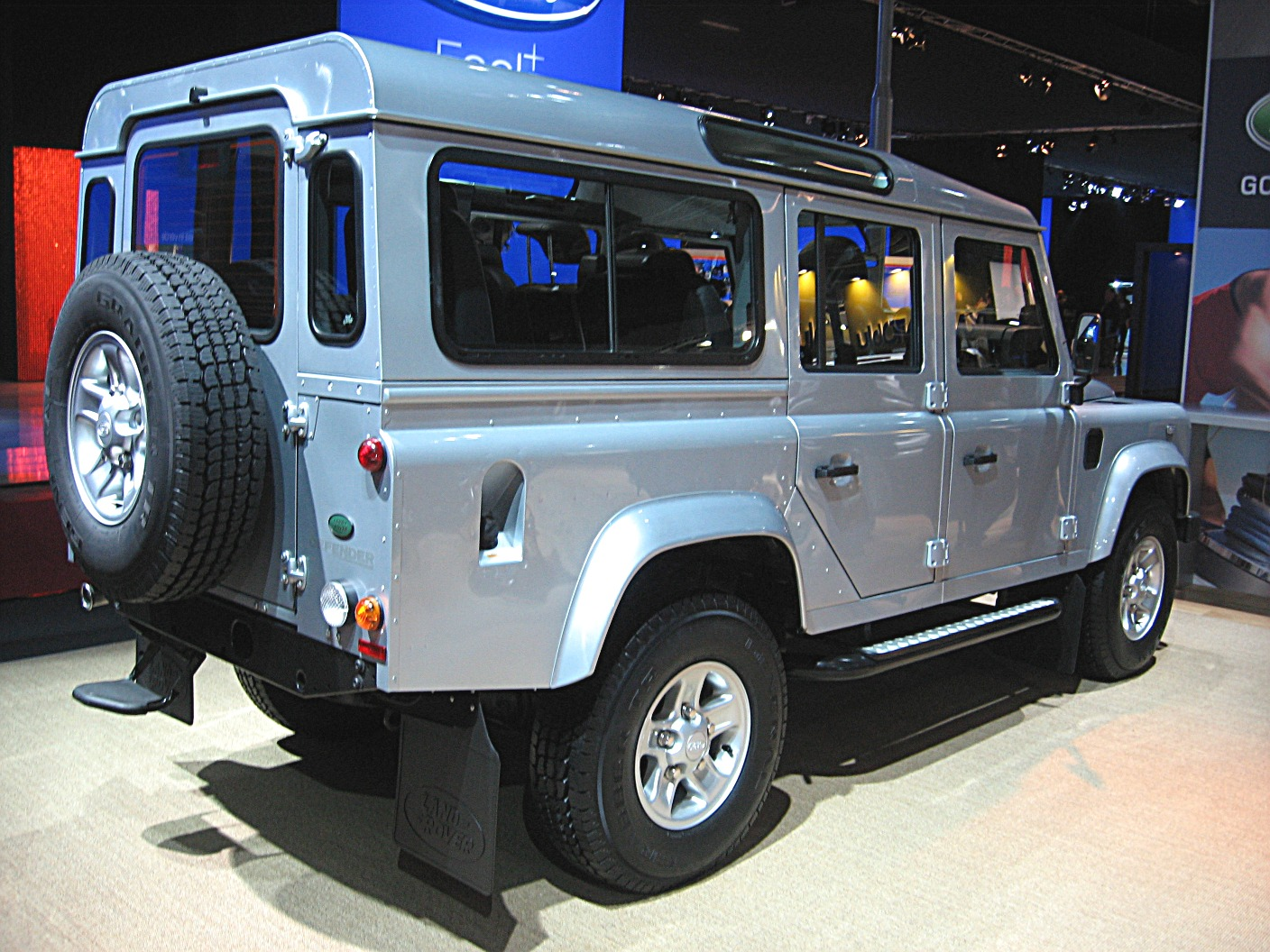 land rover defender 110 photos and comments. Black Bedroom Furniture Sets. Home Design Ideas
