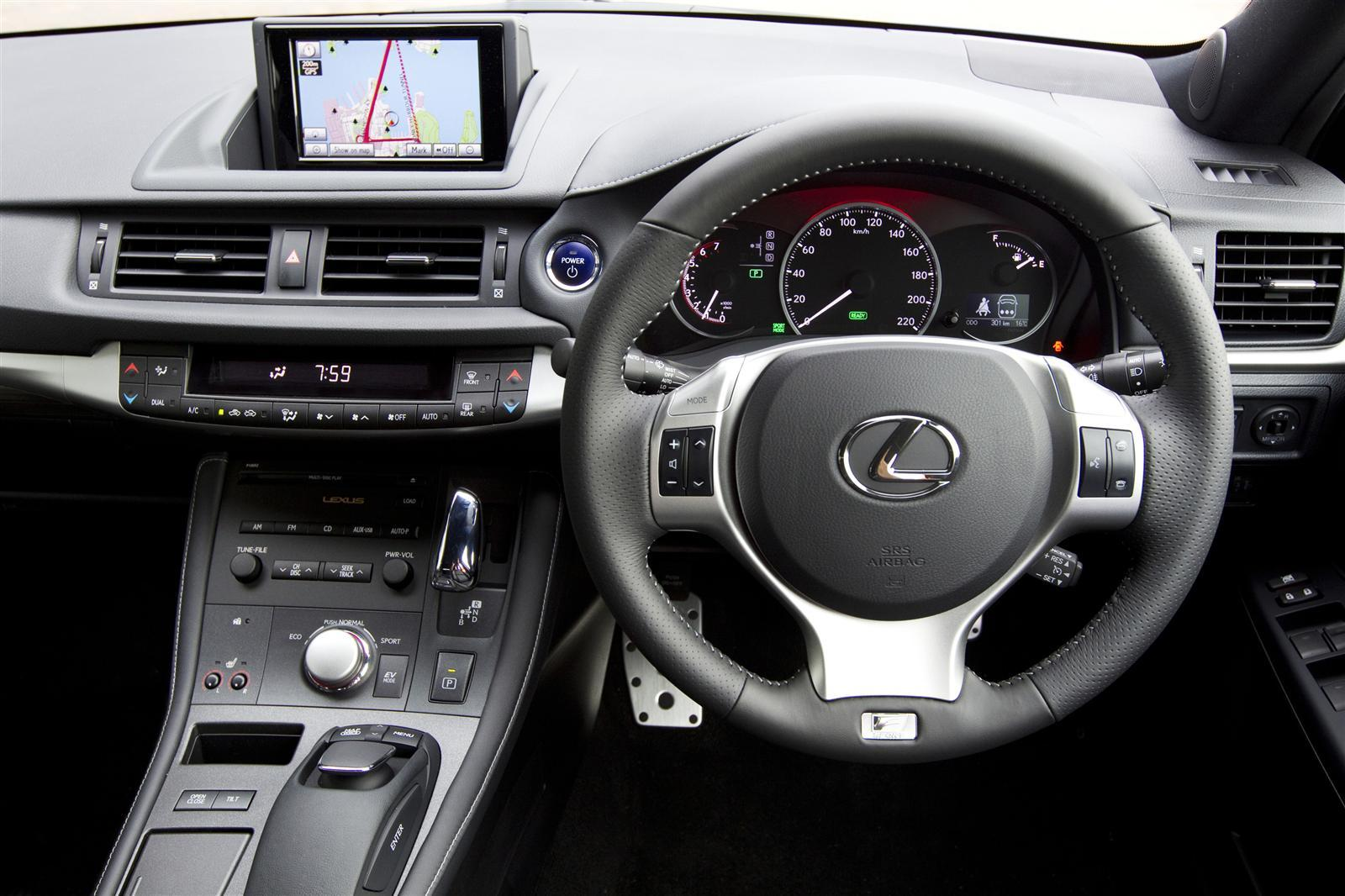lexus ct 200h luxury-pic. 2