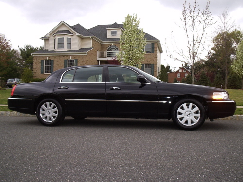 lincoln town car signature l photos and comments. Black Bedroom Furniture Sets. Home Design Ideas