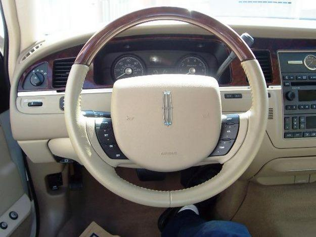 lincoln town car signature limited #4