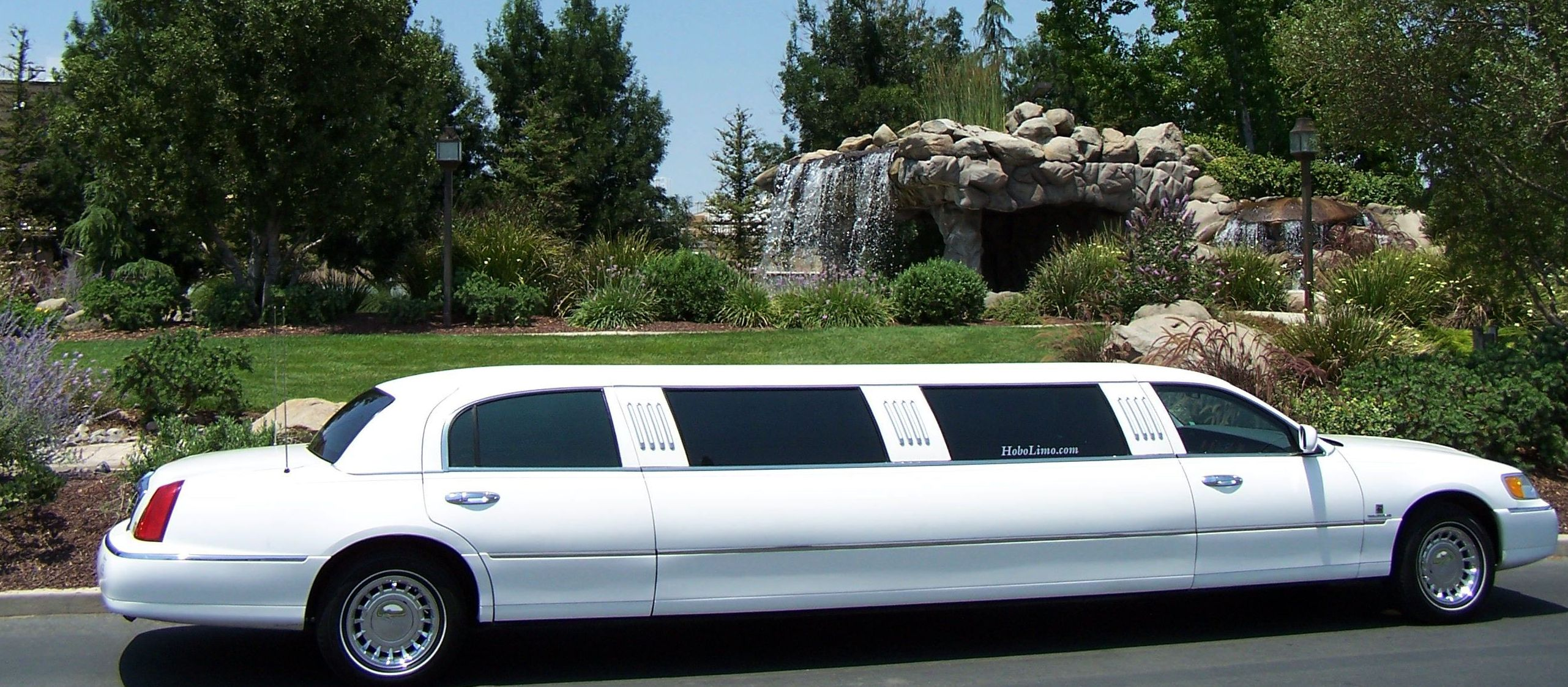 lincoln town car stretched limousine #4