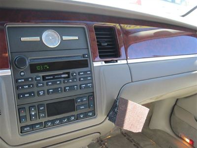 lincoln town car ultimate #6
