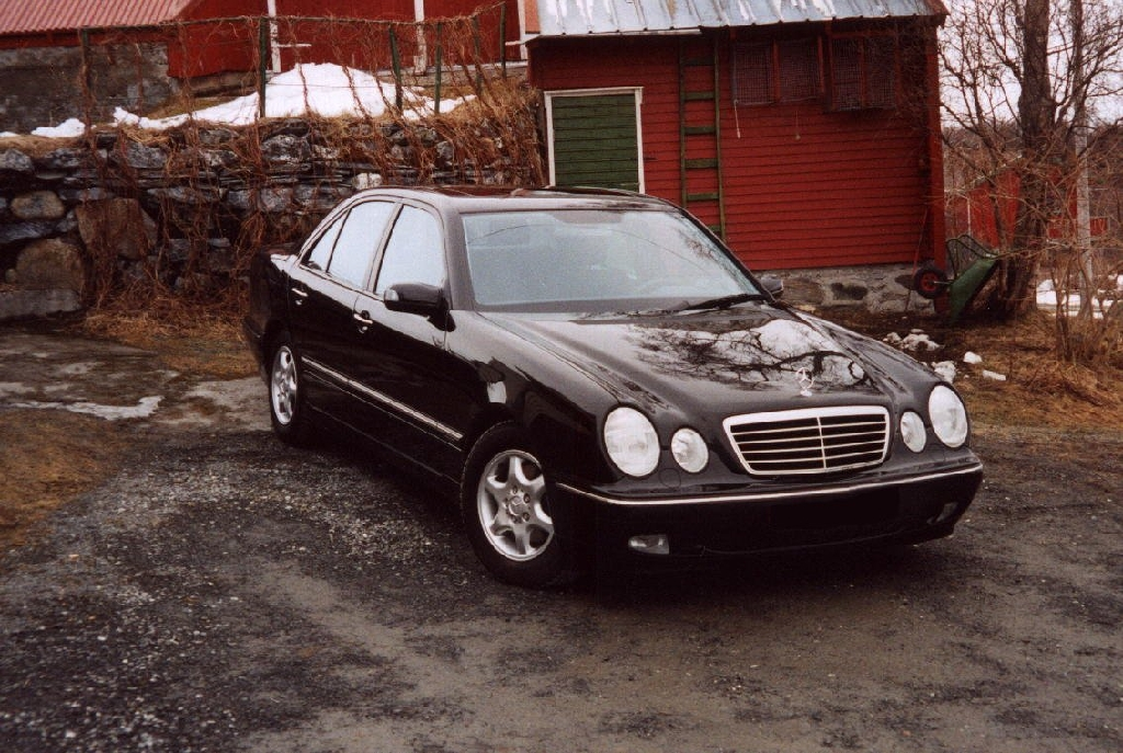 mercedes benz 200 e photos and comments. Black Bedroom Furniture Sets. Home Design Ideas
