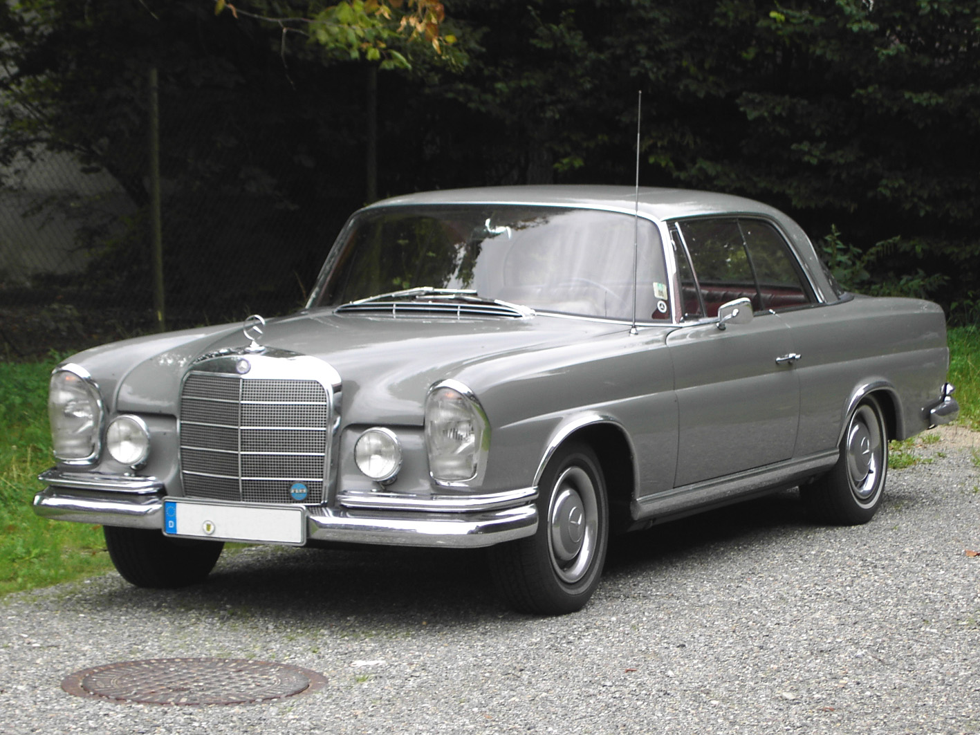 mercedes-benz 220 seb coupe-pic. 1