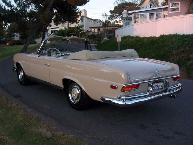 Mercedes benz 250 se convertible photos and comments www for Mercedes benz 250 se
