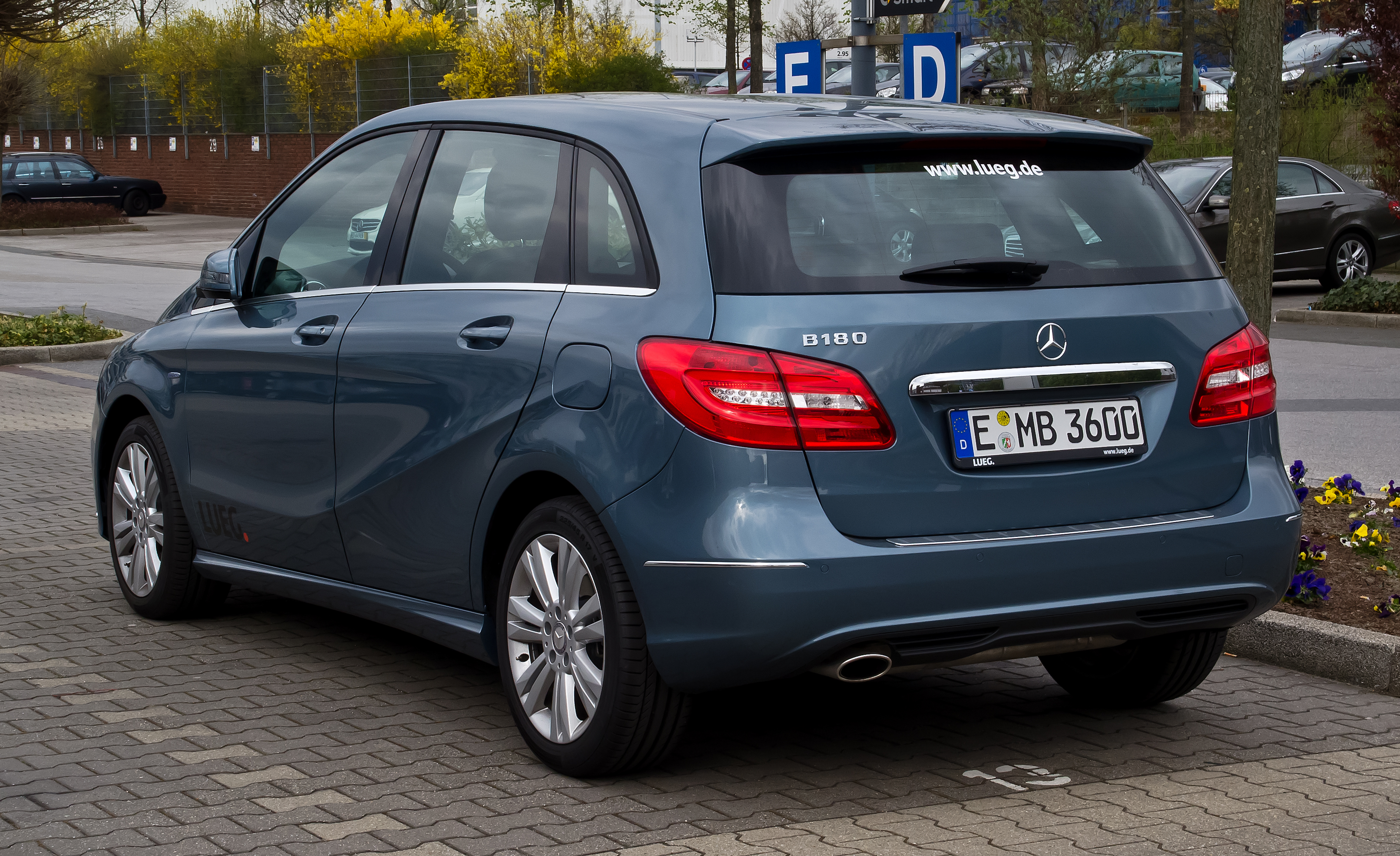 mercedes-benz a 180 blueefficiency-pic. 2