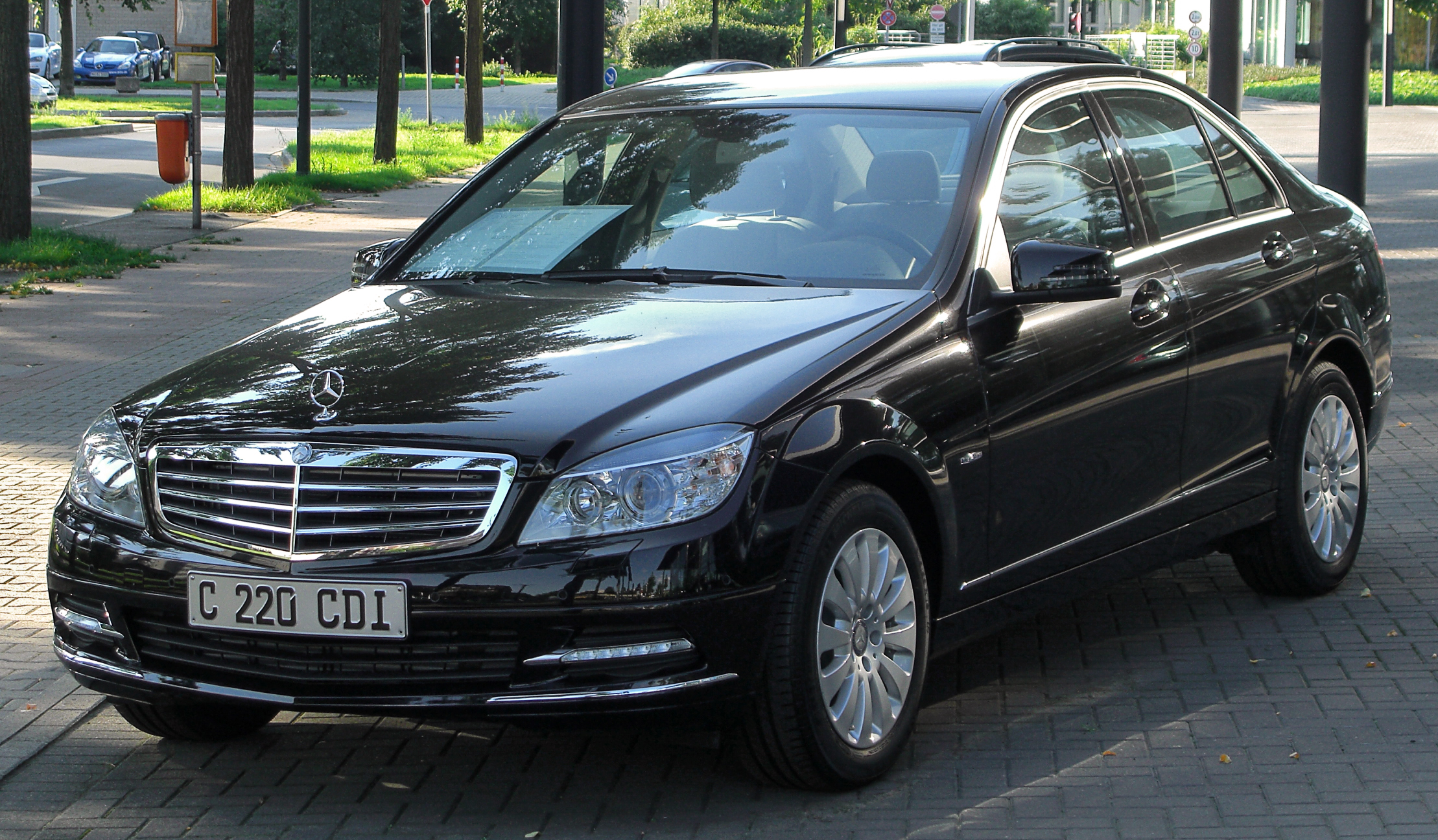 mercedes benz c 220 cdi blueefficiency photos and comments. Black Bedroom Furniture Sets. Home Design Ideas