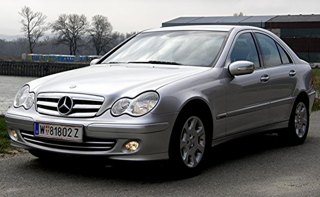 mercedes benz c 220 cdi elegance photos and comments. Black Bedroom Furniture Sets. Home Design Ideas