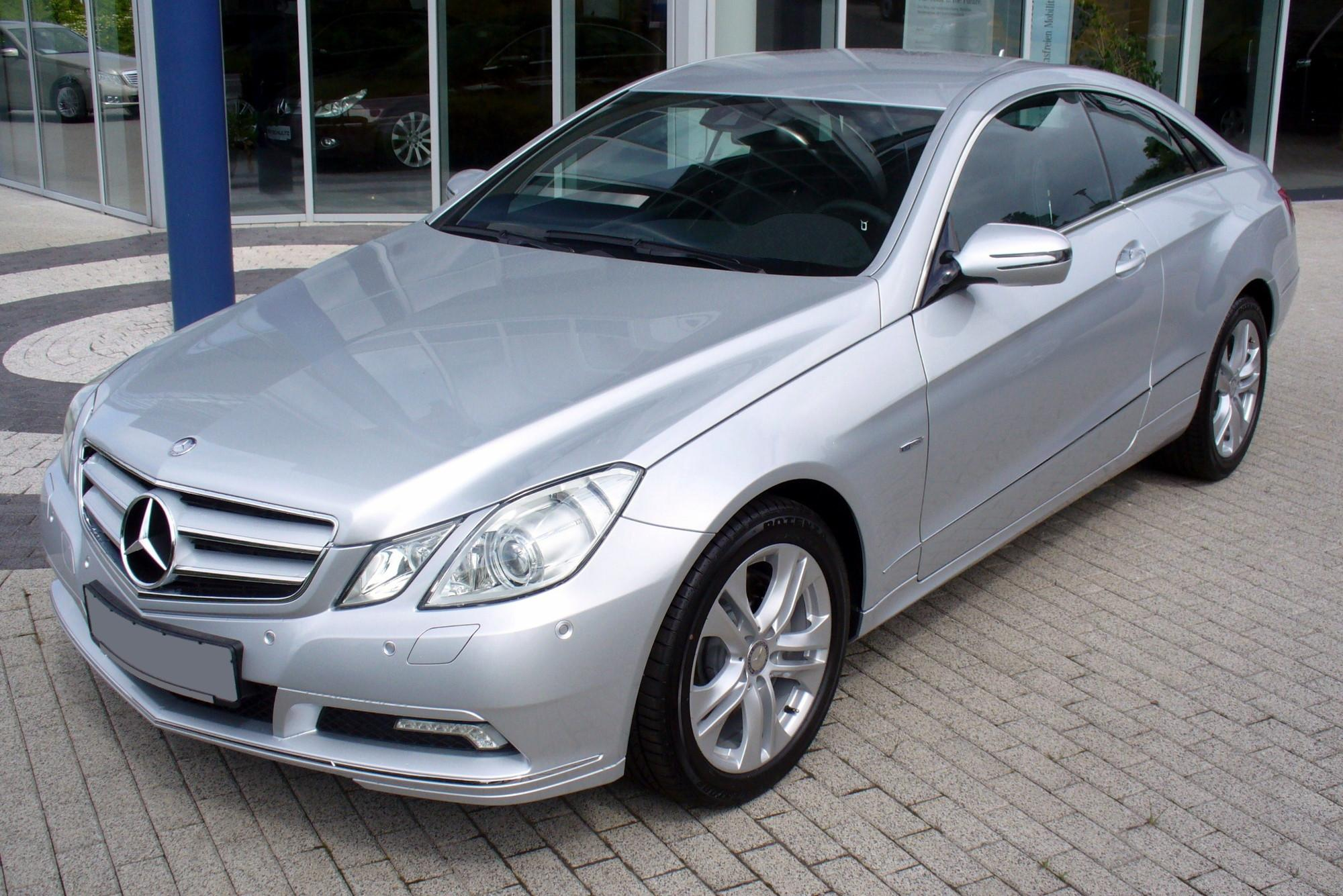 mercedes benz c 350 cdi photos and comments. Black Bedroom Furniture Sets. Home Design Ideas