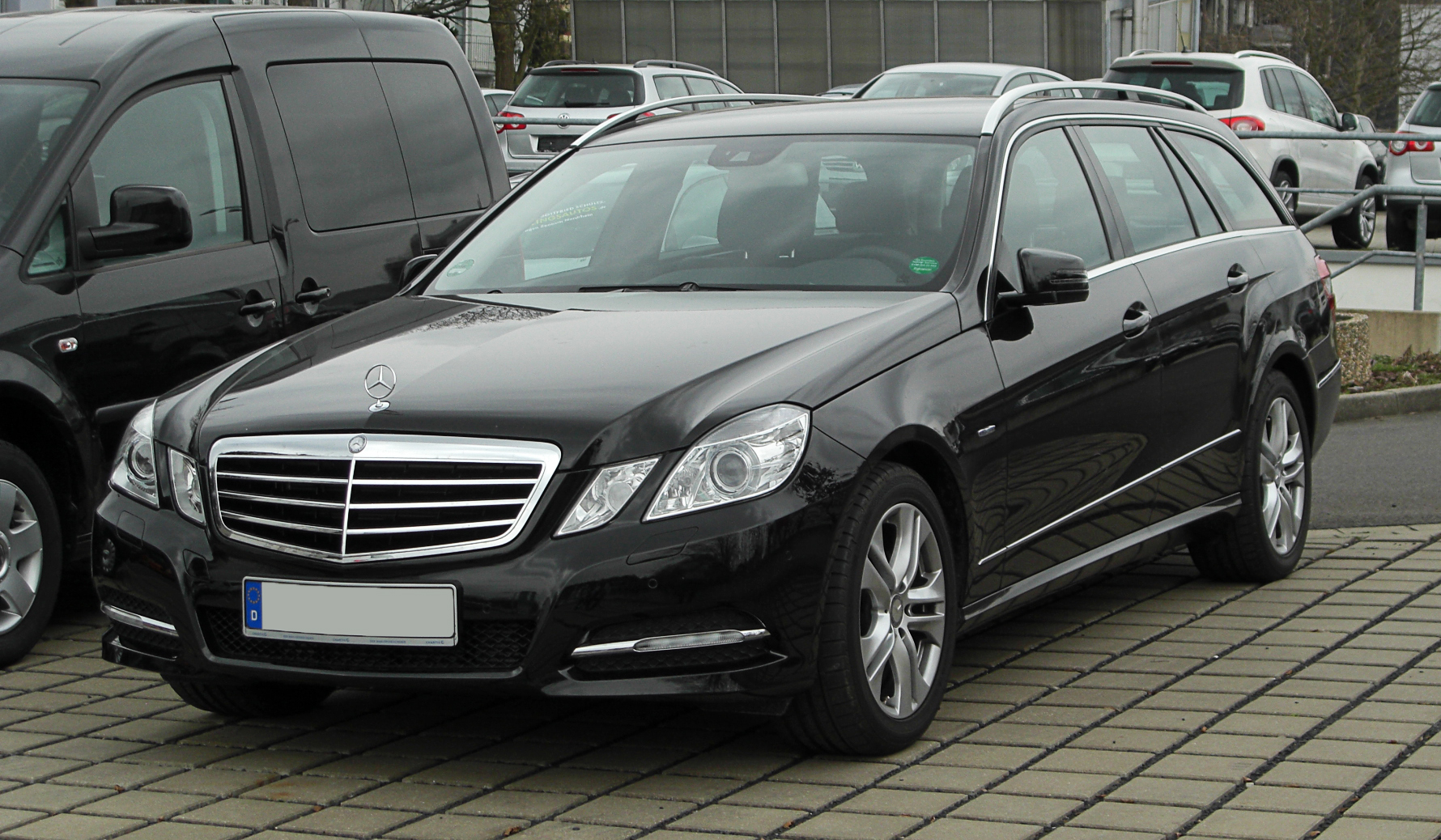 mercedes benz e 200 cdi blueefficiency photos and. Black Bedroom Furniture Sets. Home Design Ideas