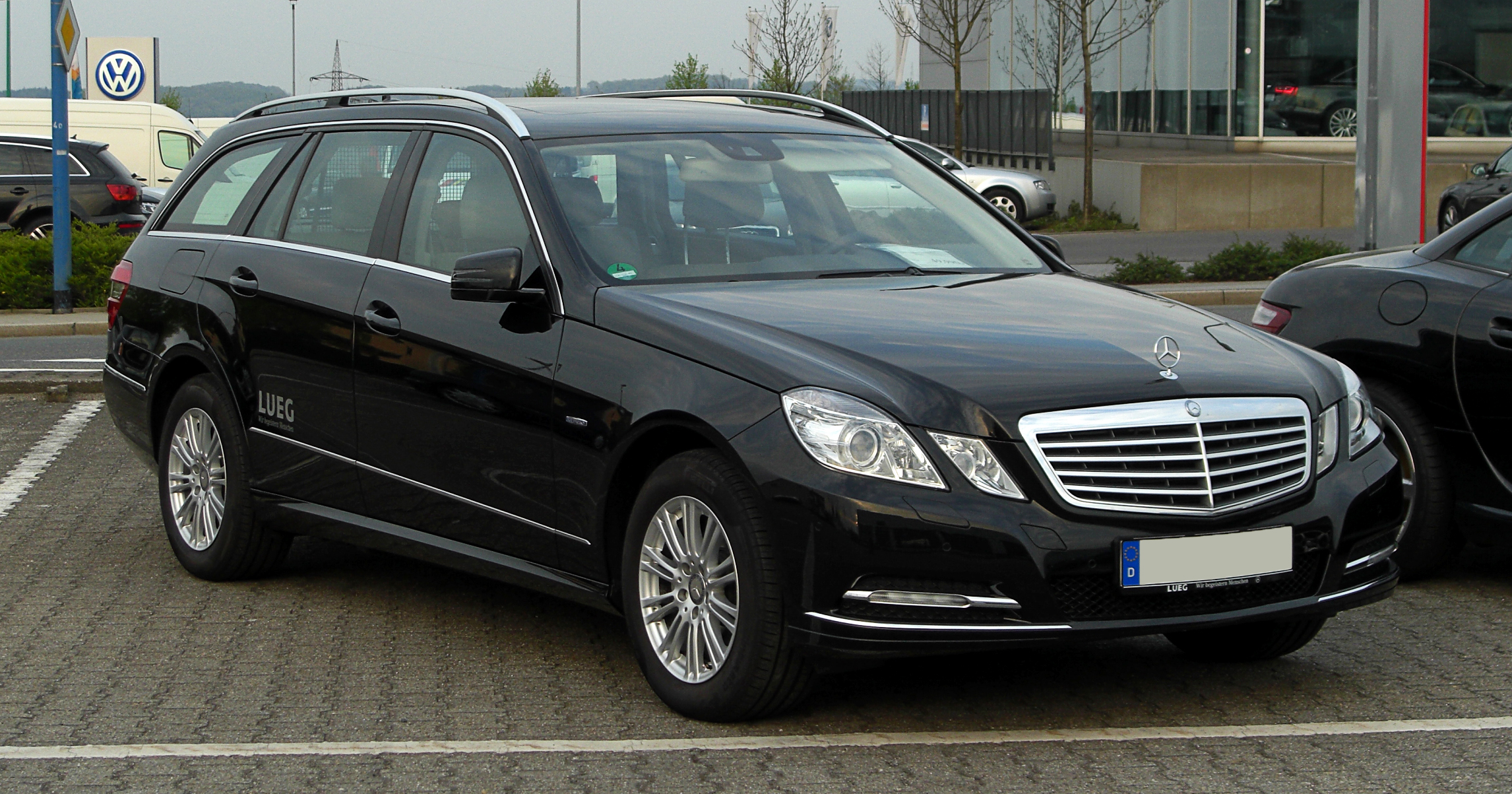 mercedes benz e 220 cdi blueefficiency photos and comments. Black Bedroom Furniture Sets. Home Design Ideas