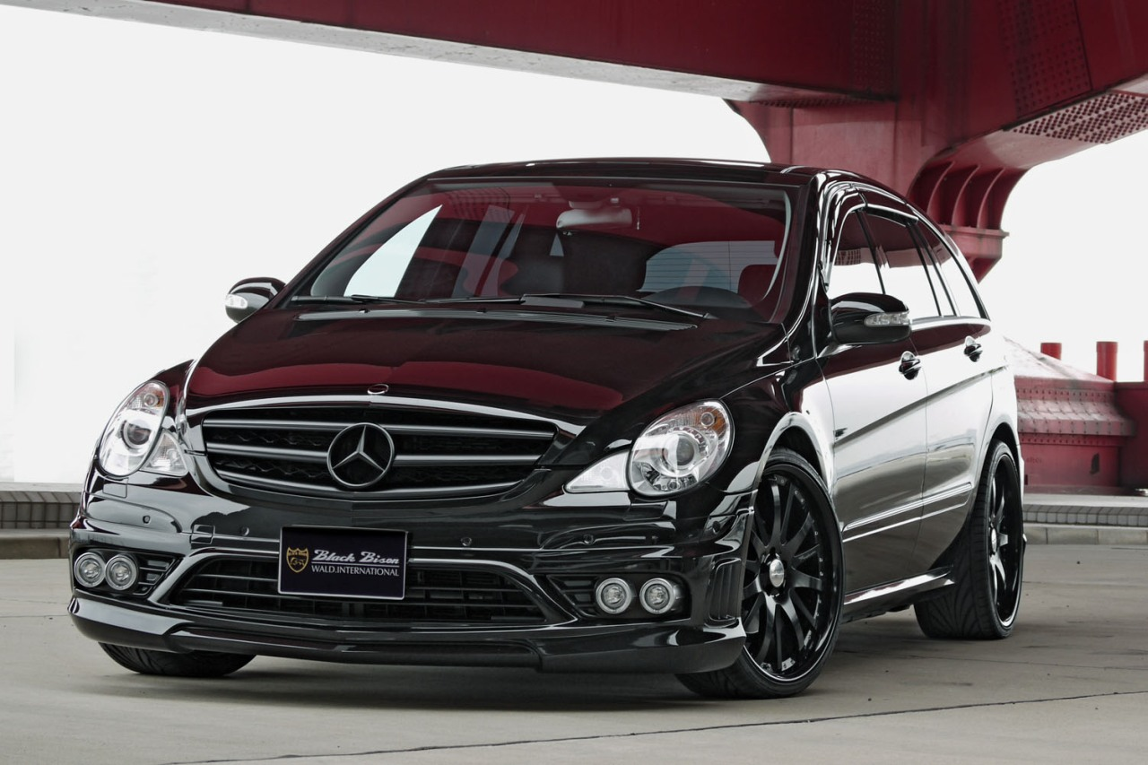 mercedes benz r series photos and comments. Black Bedroom Furniture Sets. Home Design Ideas