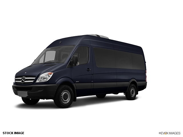 Mercedes benz sprinter passenger van 2500 photos and for Mercedes benz sprinter passenger