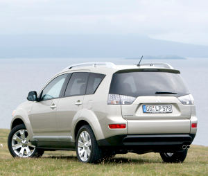mitsubishi outlander 2.4 at-pic. 3