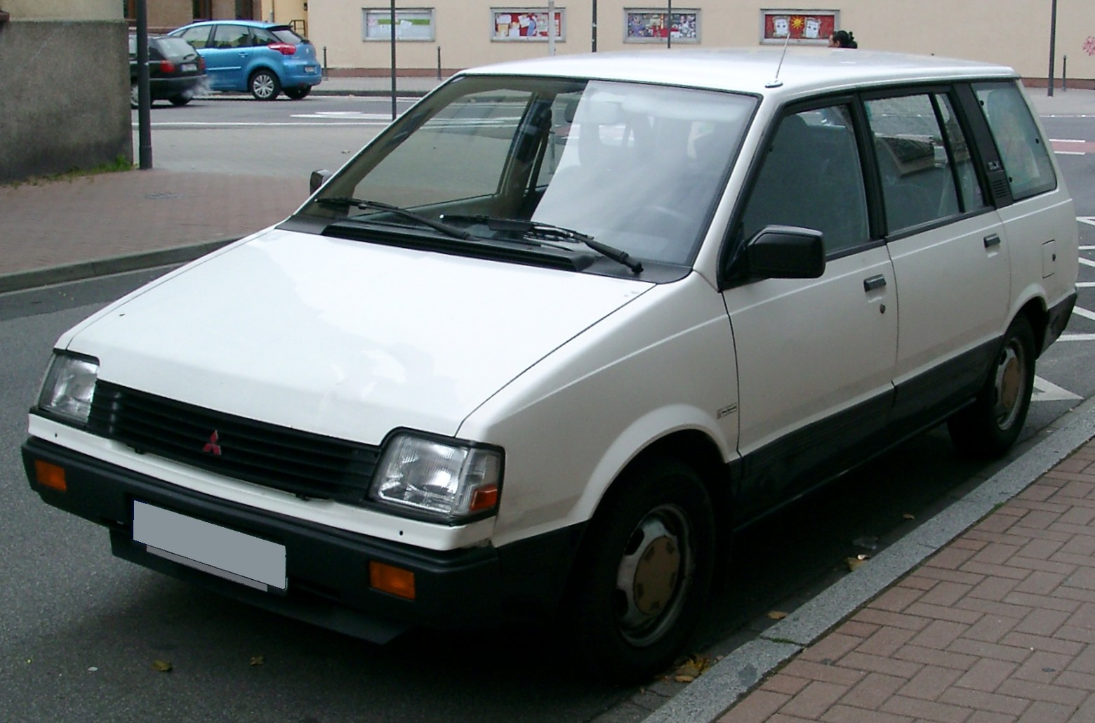 mitsubishi space wagon #8