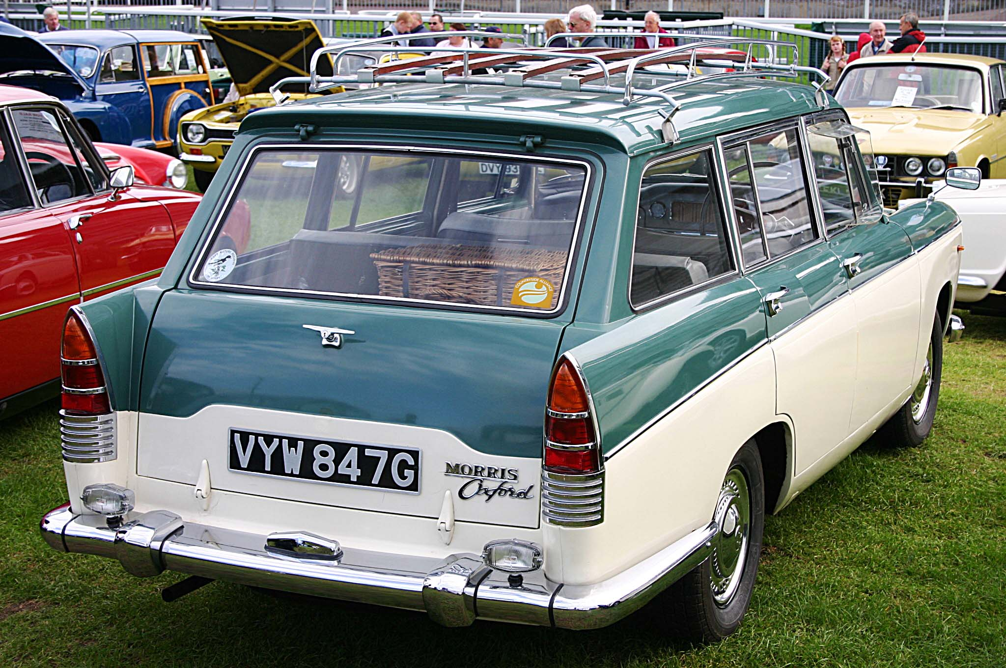 morris oxford traveller-pic. 1