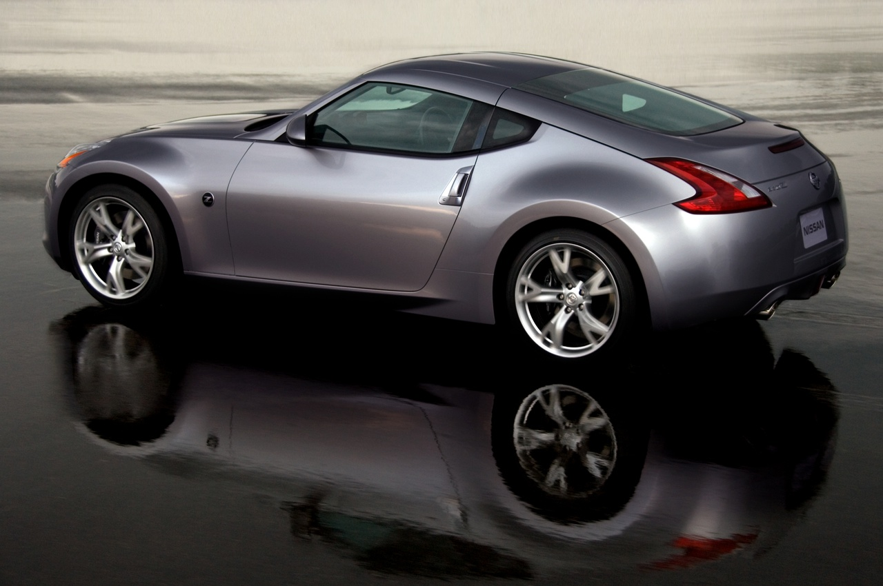 nissan 370z coupe-pic. 1