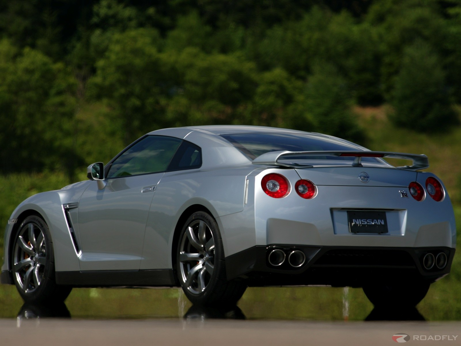 nissan gt-r coupe-pic. 2