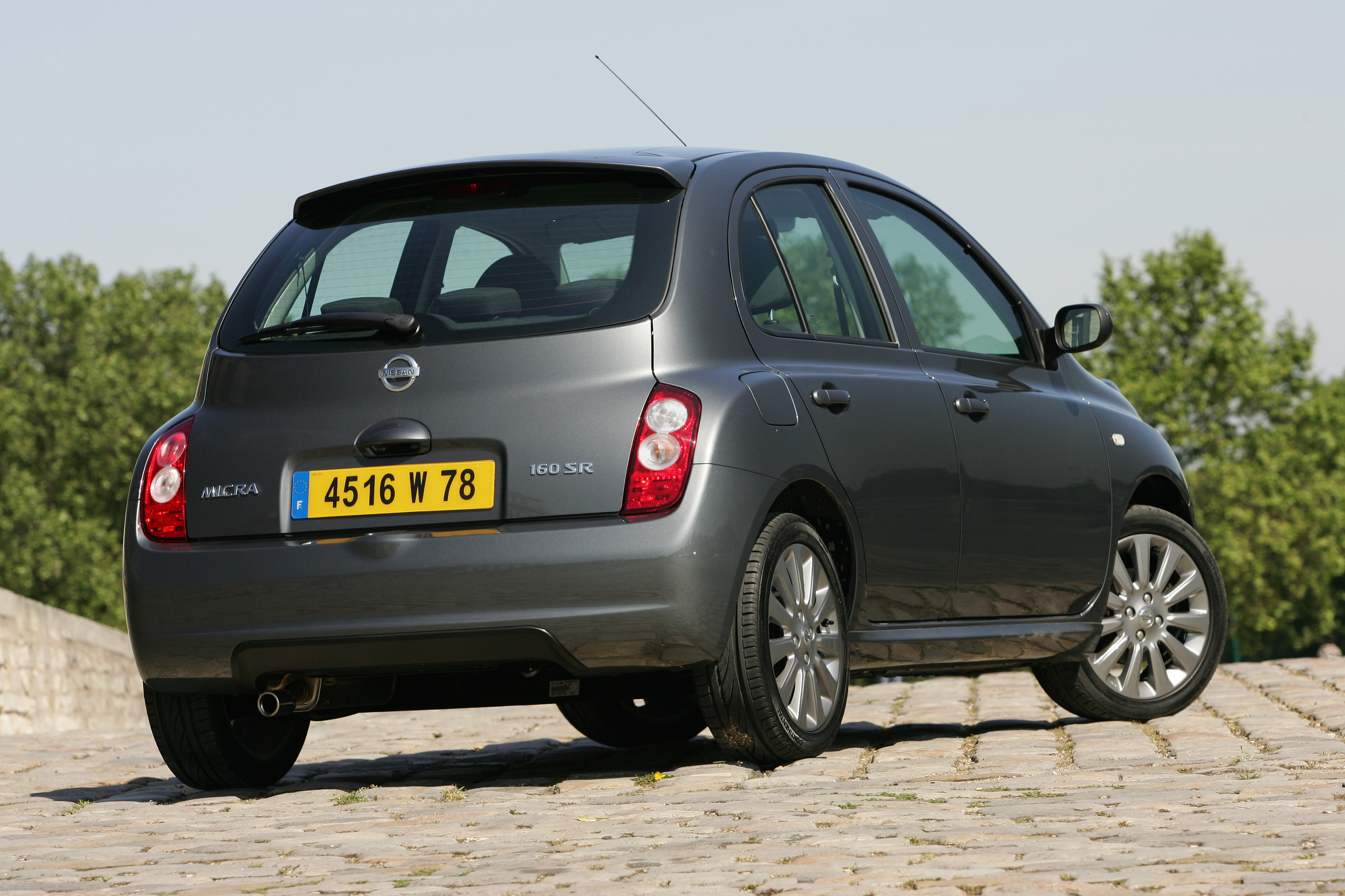 nissan micra 160 sr photos and comments. Black Bedroom Furniture Sets. Home Design Ideas