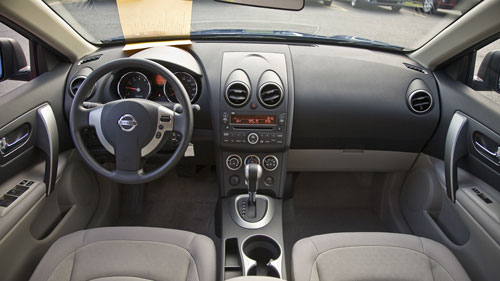 nissan rogue s-pic. 3