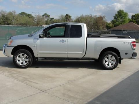 nissan titan king cab 4x4 photos and comments. Black Bedroom Furniture Sets. Home Design Ideas