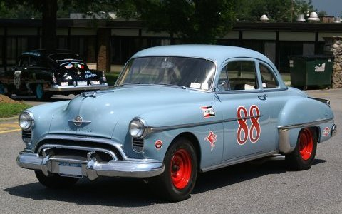oldsmobile rocket 88