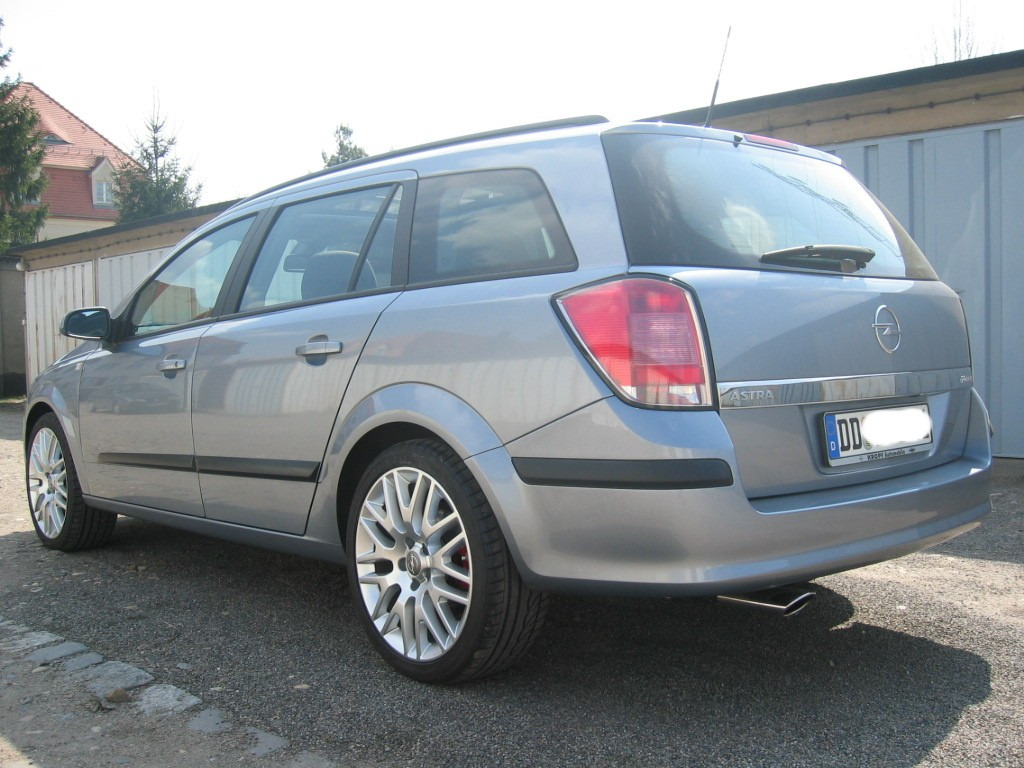 opel astra caravan 2 0 turbo photos and comments. Black Bedroom Furniture Sets. Home Design Ideas